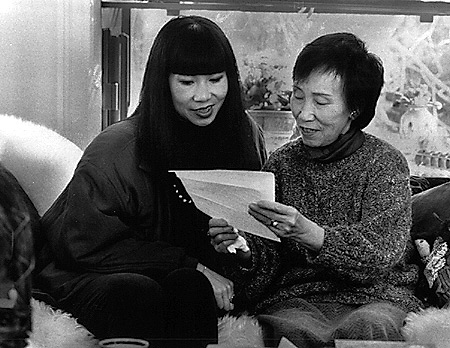 amy tan and her mother bonesetter s daughter amy tan and her mother